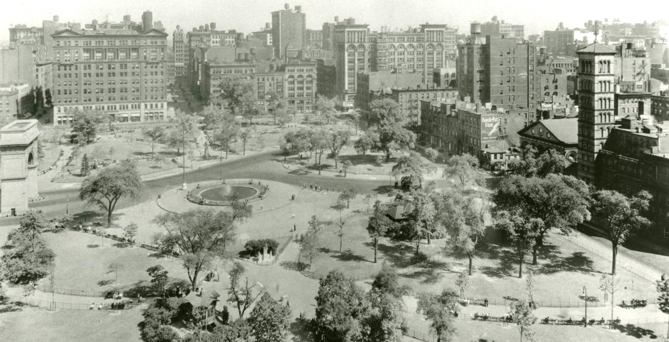Photo of Washington Square Park in 1920