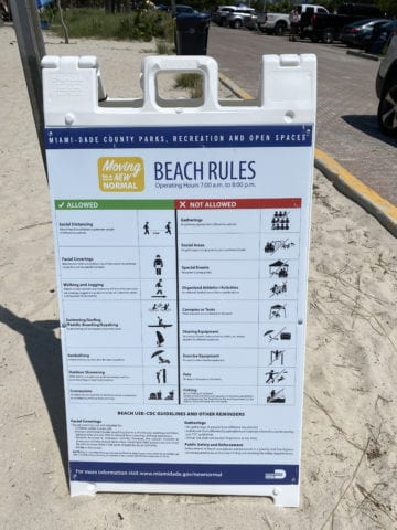 Updated rules for beachgoers. [Courtesy: Maria Olloqui]