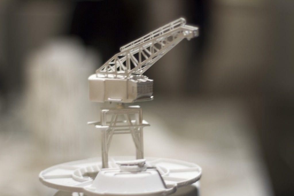 Mini plastic crane