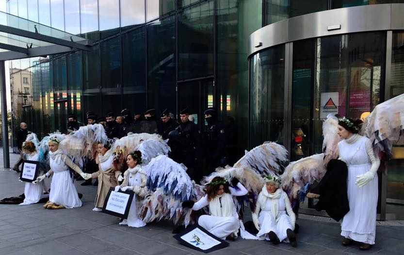 Climate Angels shut down ENGIE. Photo via Lisa Fithian.